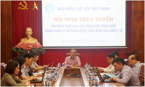 Sáng 3/12, BHXH Việt Nam tổ chức Hội nghị trực tuyến toàn Ngành tập huấn thực hiện liên thông các phần mềm quản lý chi KCB BHYT. Phó Tổng Giám đốc Phạm Lương Sơn chủ trì hội nghị.